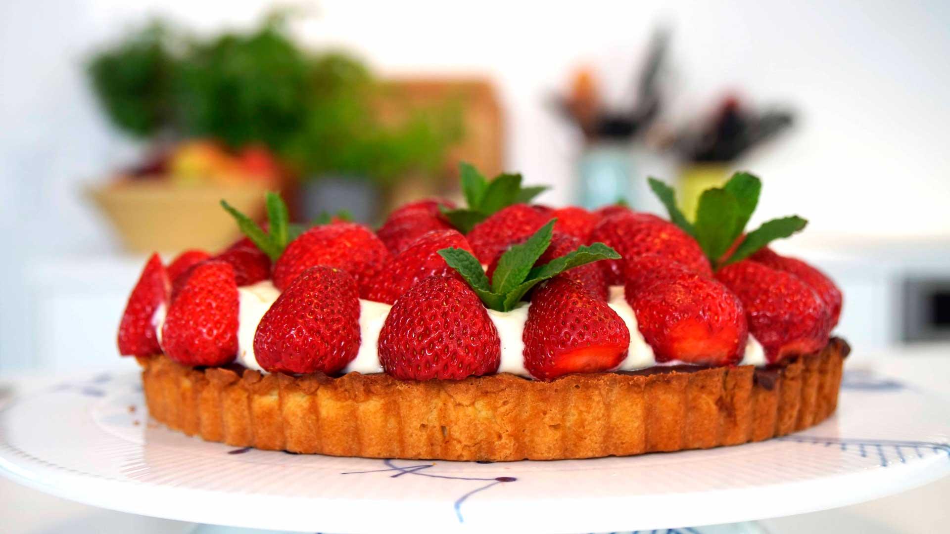 Alletiders Kogebog Jordbærtærte jordbærtærte | verdens bedste sommerkage - foodtv