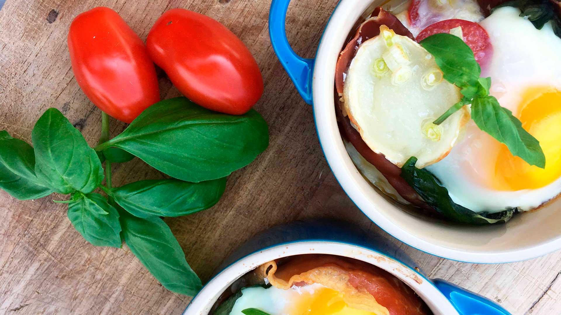 æg En Cocotte Oeufs En Cocotte Med Parmaskinke Og Gedeost Foodtv